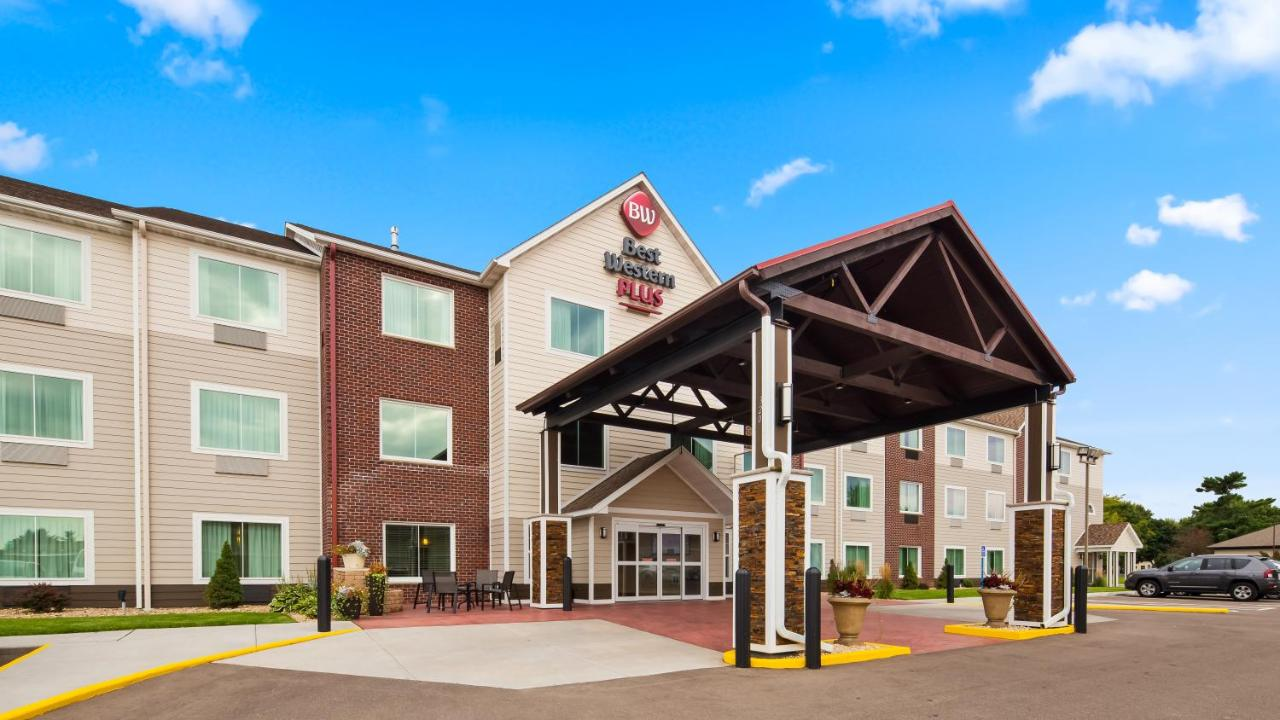 Hotels In Wheeler Wisconsin