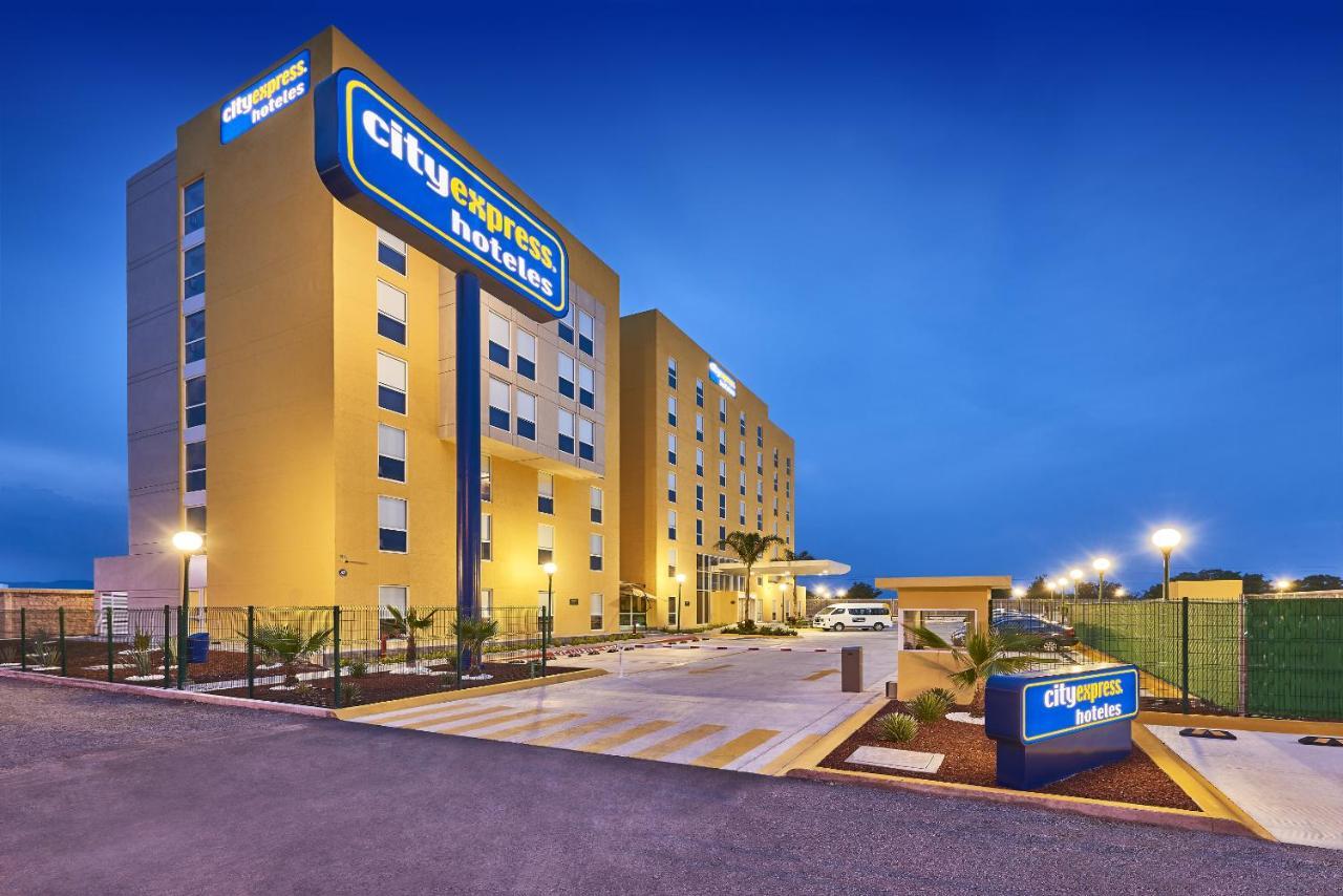 Hotels In Las Canoas Guanajuato