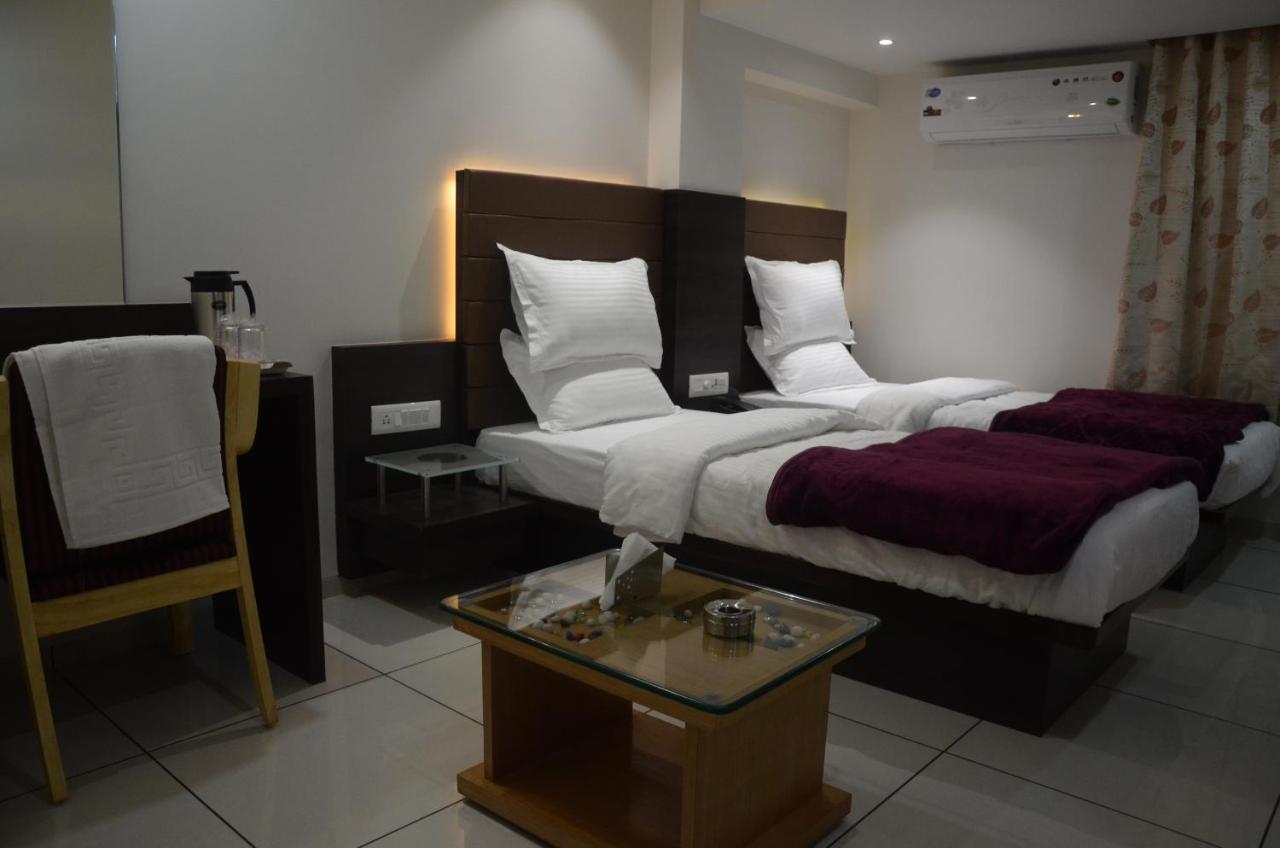 Hotel Furaat Inn Hotel Furat Inn Vapi India Bookingcom