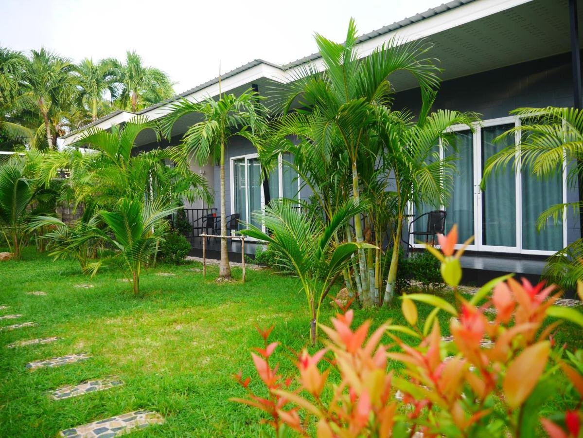 Marisa Garden Bungalow, Bang Tao Beach, Thailand - Booking.com