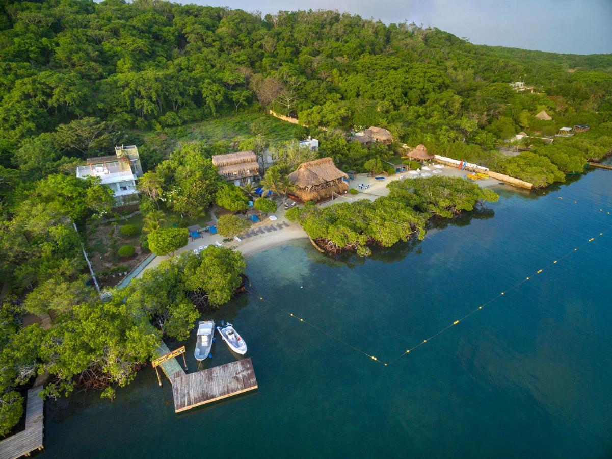 Hotels In Pendales Baru Island
