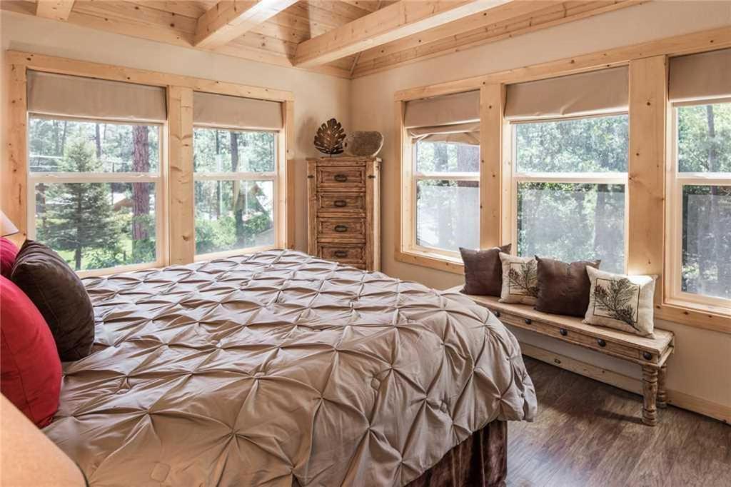 Apartment Sleepy Bear Cabin 3 Bedroom Cabin Ruidoso Nm Booking Com