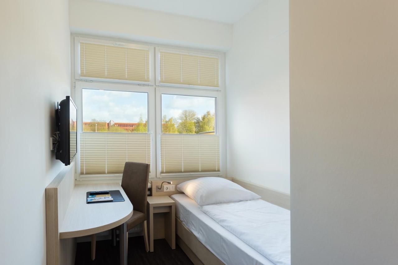 Viva Hotel By Vier Jahreszeiten Lubeck Germany Booking Com