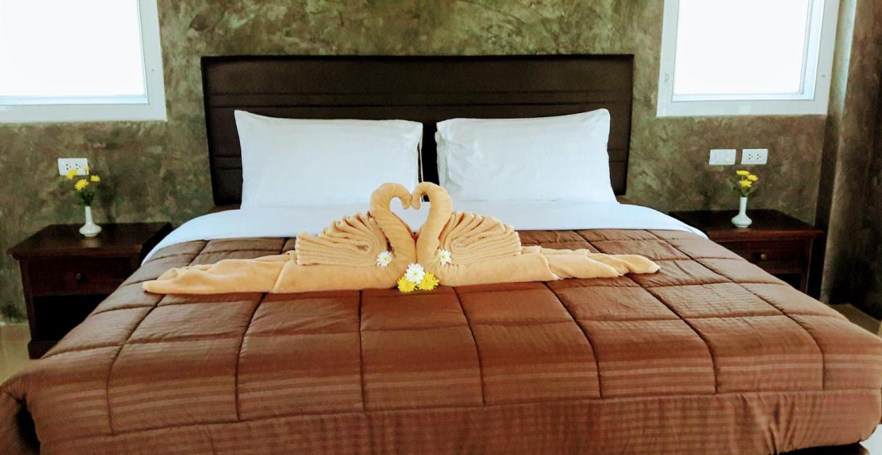 Guest Houses In Ban Mut Dok Khao Phuket Province