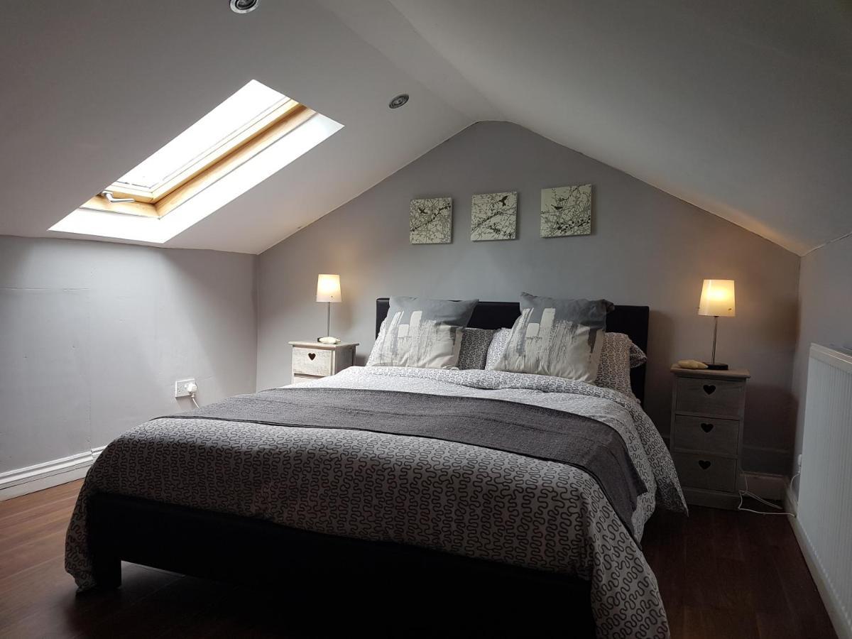 Pretty 2 Bedroom Flat With Loft Apartment London Uk Deals