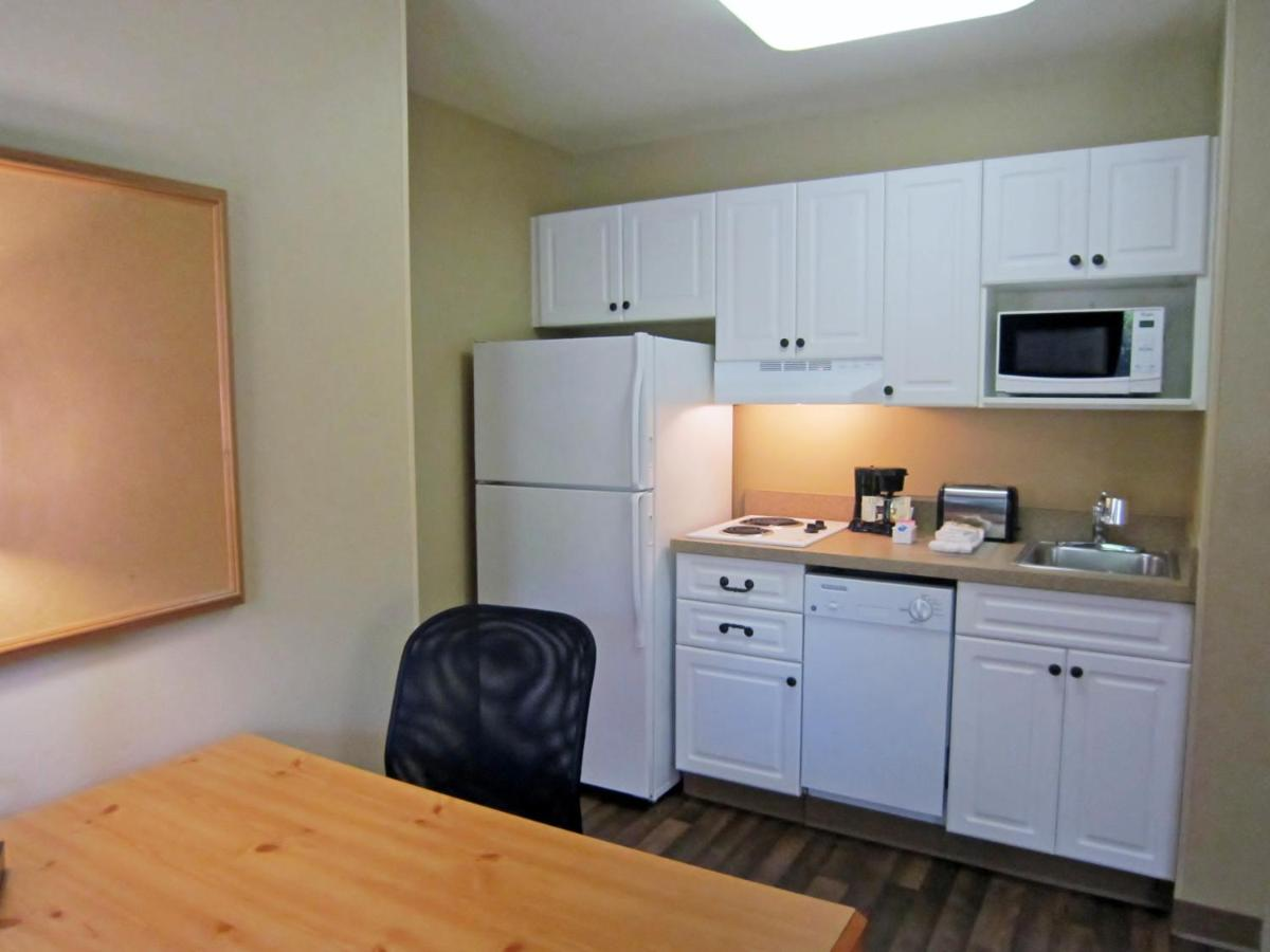 boston ma hotels us fourth near com ave bentley college stay hotel waltham extended booking