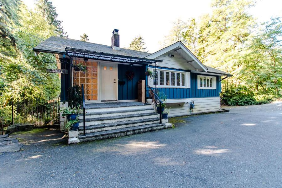 Vacation Home Water View, Bright And Great Location Full House In Best  Location Of West Vancouver, Canada   Booking.com