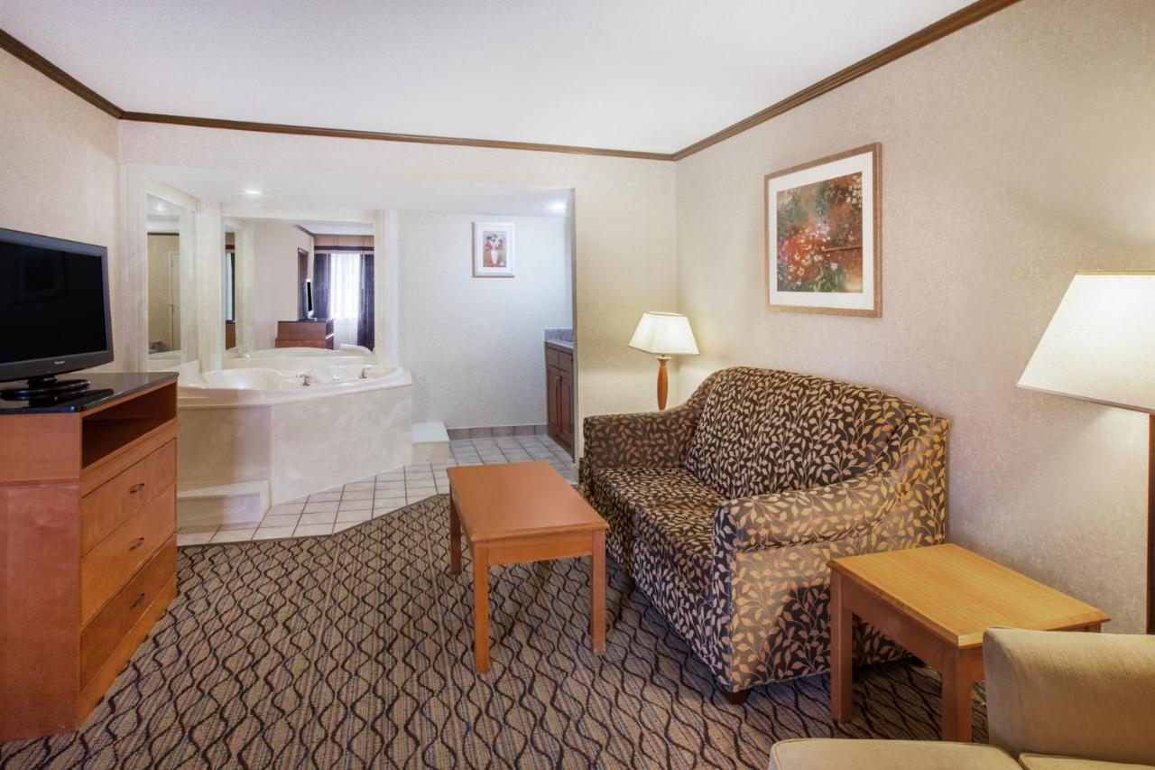 Hotels In Plymouth Michigan