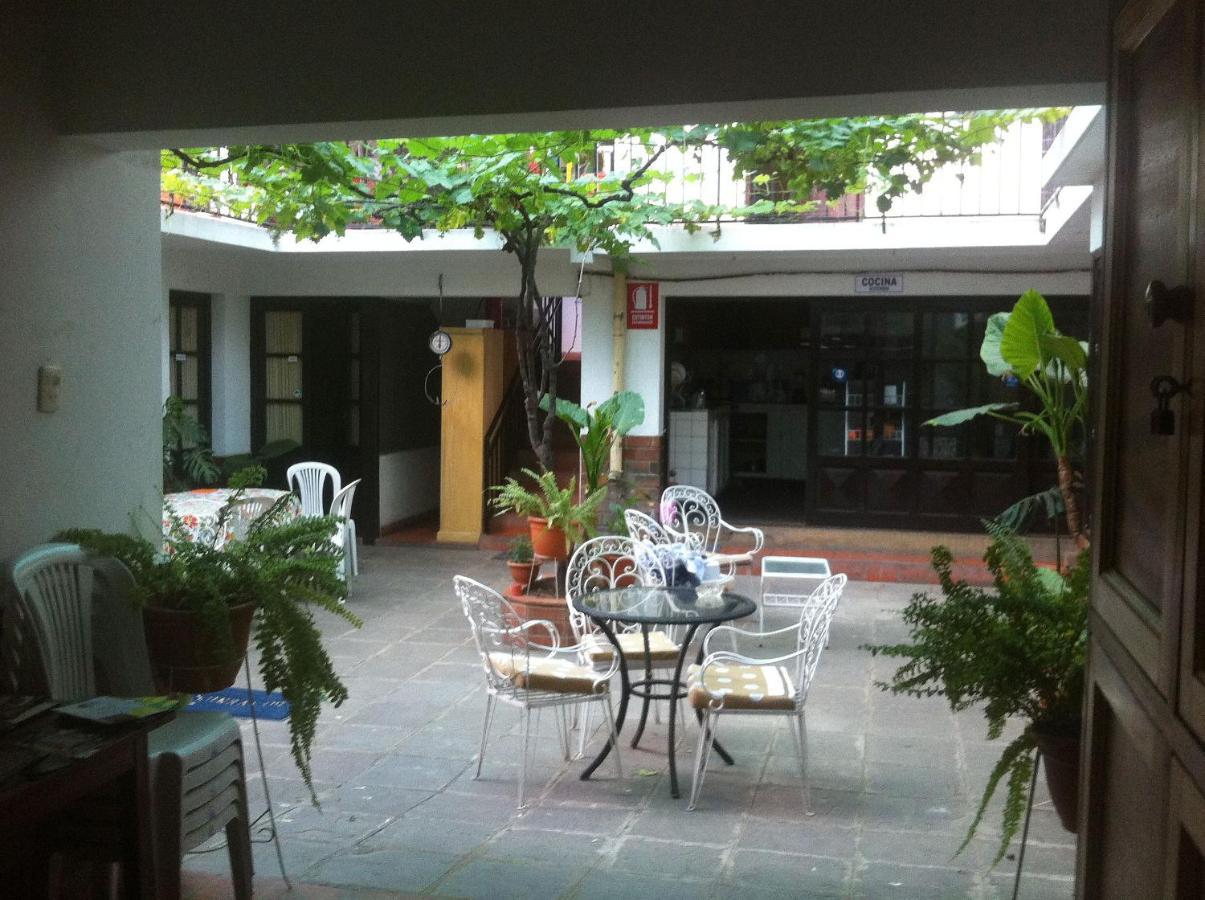 Hostels In Tomatas