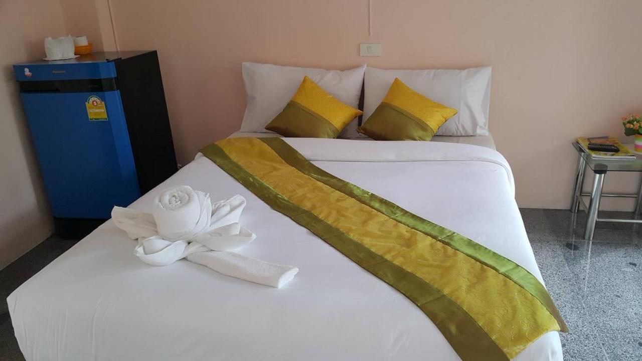 Hotels In Ban Kayae (2) Chumphon Province