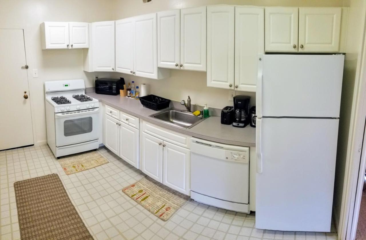 Apartment Crystal City 420S, Arlington, VA - Booking.com