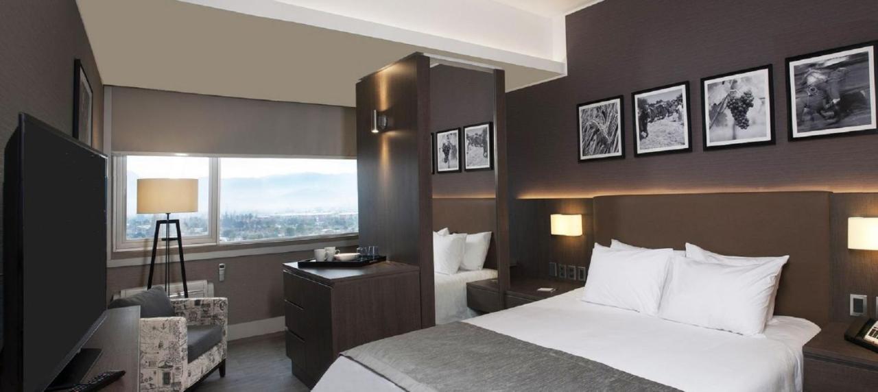 Hotels In Los Lirios O