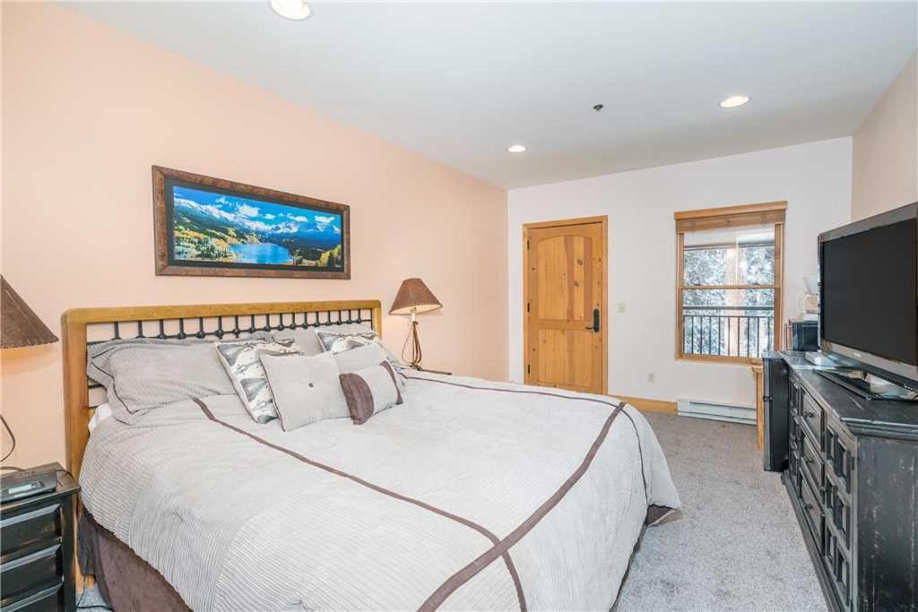 Hotels In Vanadium Colorado