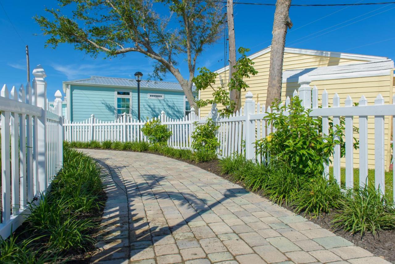 Resort Village Ocean Breeze, Jensen Beach, FL - Booking.com