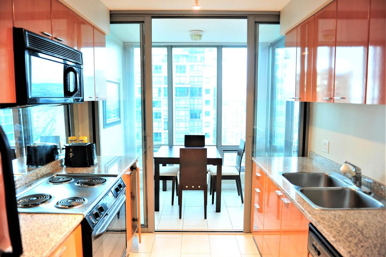 Comfortable 1BDR 1Den Condo with Great Views, Vancouver – Updated ...