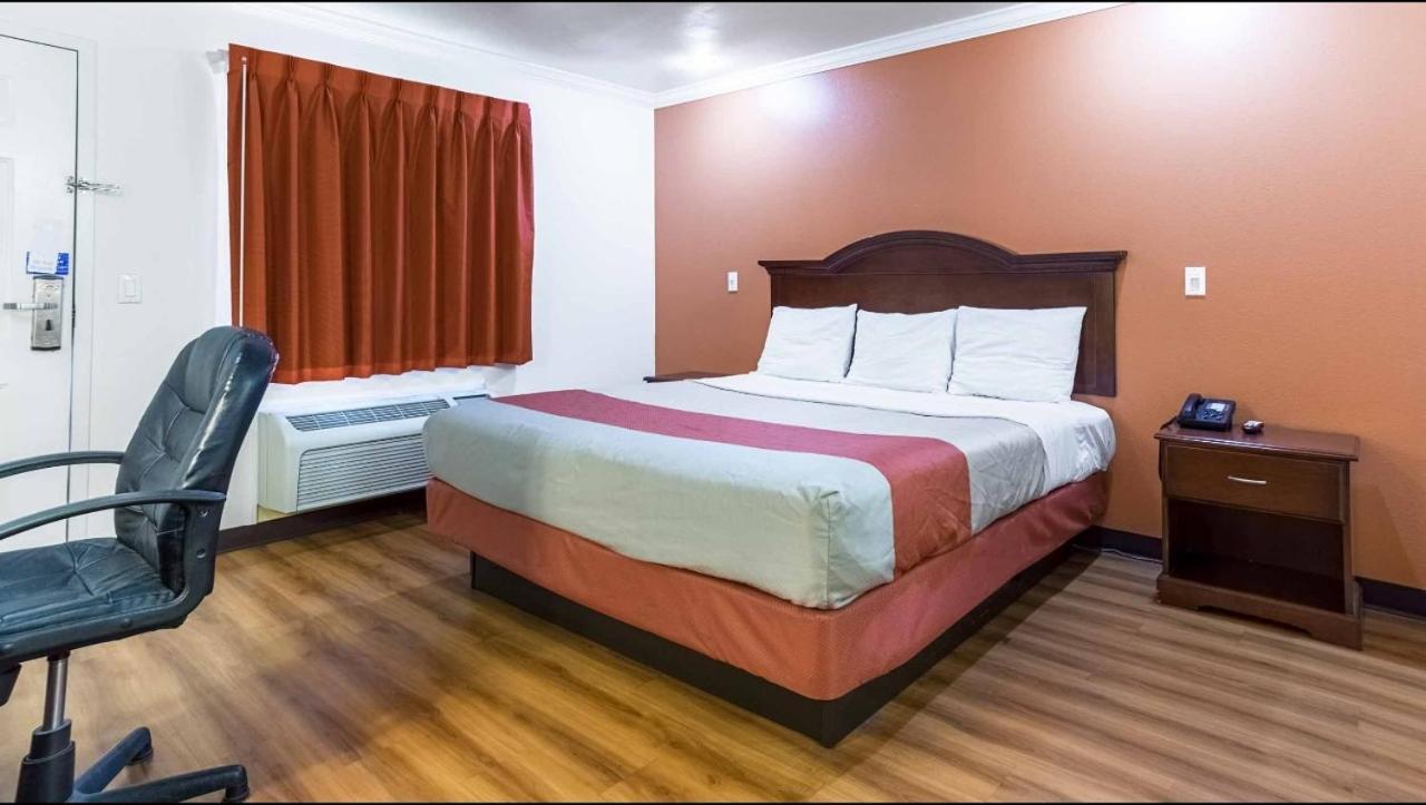 Hotels In Mojave California