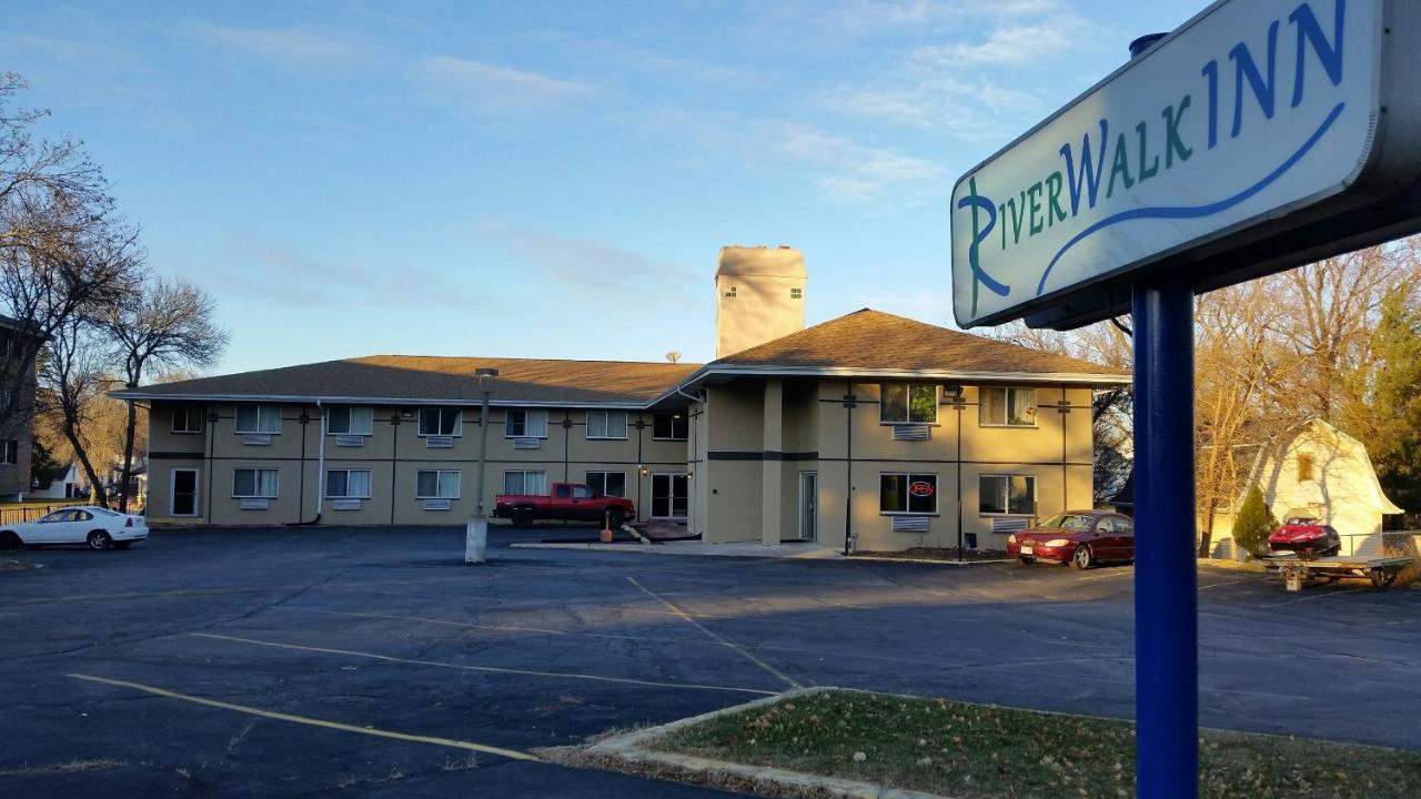 Hotels In Milton Wisconsin