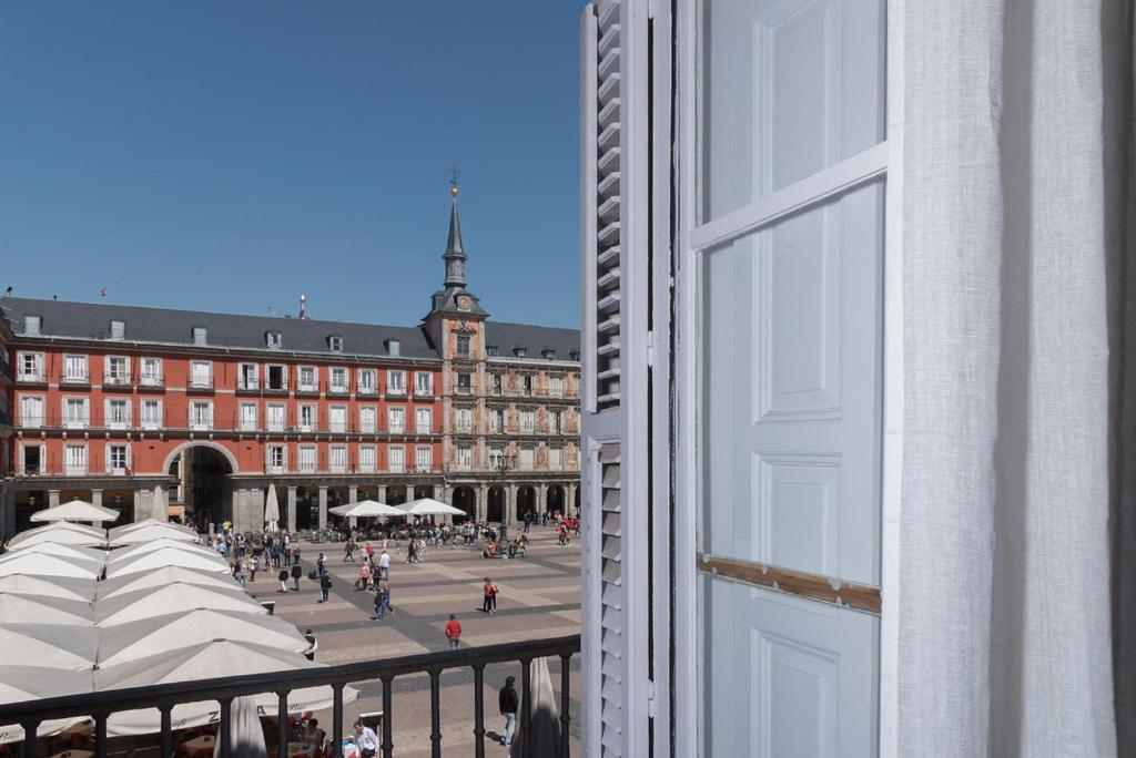 Amanecer en la Plaza Mayor - Madrid i Madrid – uppdaterade ...