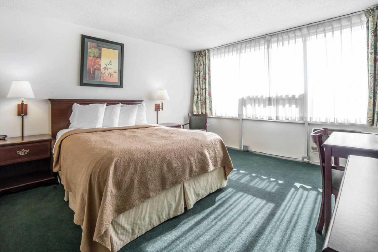 Econo Lodge Ponderosa, Great Falls, MT - Booking.com