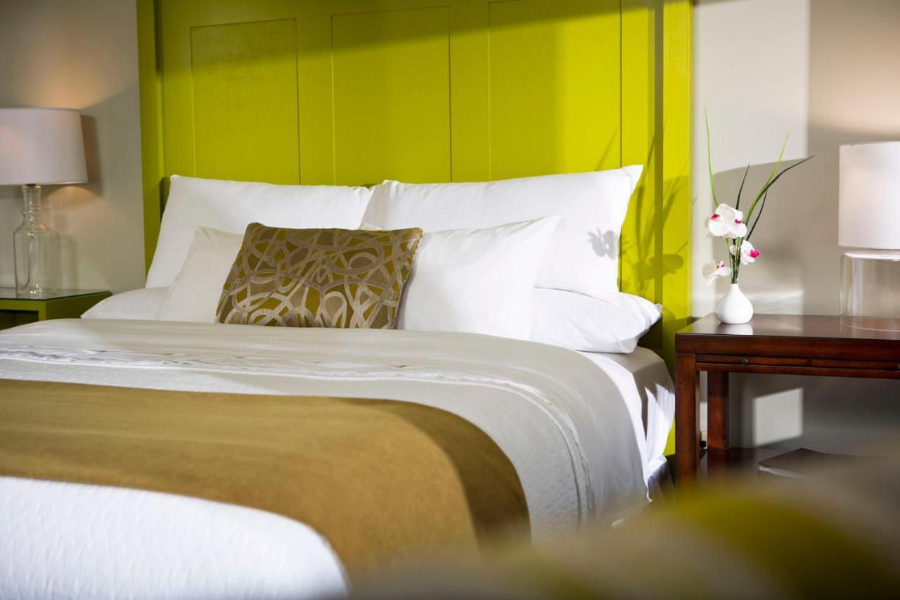 equinox main hotel deluxe. Equinox Main Hotel Deluxe