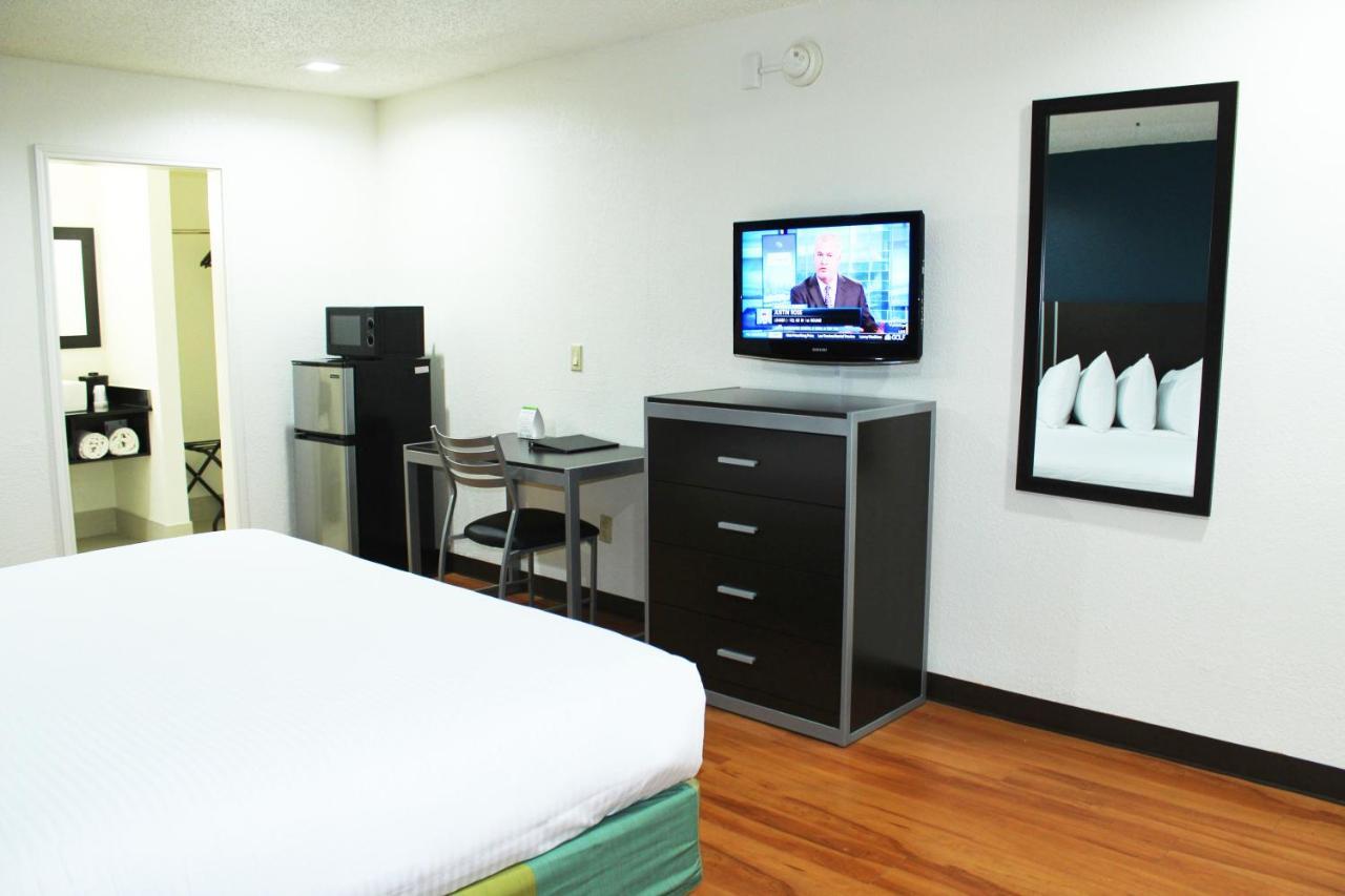 Stay Inn Express Dallas, TX - Booking.com
