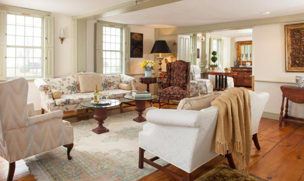 Bed And Breakfasts In Quidnessett Rhode Island