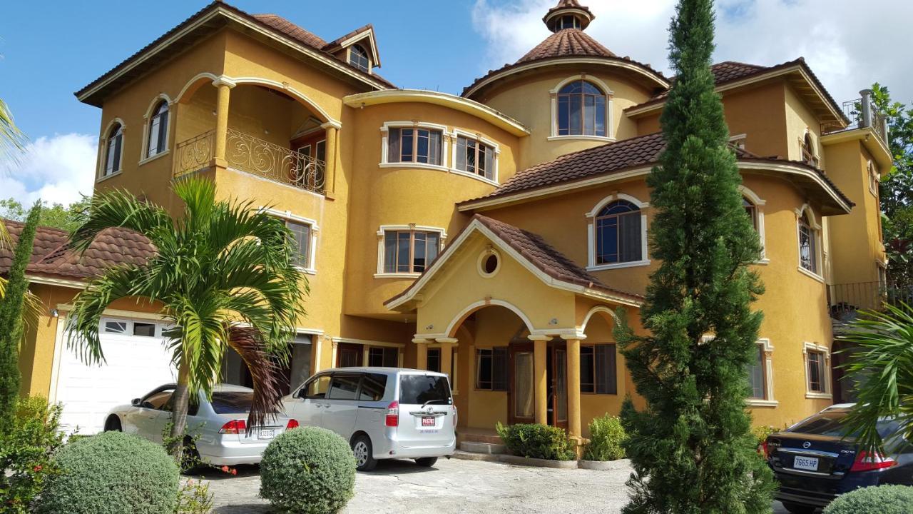 Guest Houses In Retirement Saint James