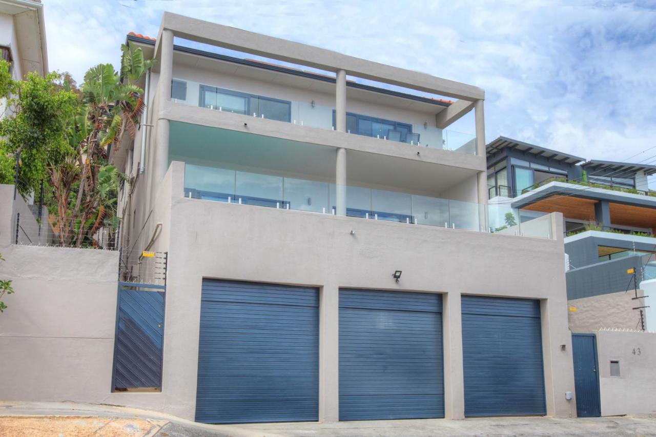 Apartment 43 Ocean View Drive Green Point, Cape Town, South Africa ...