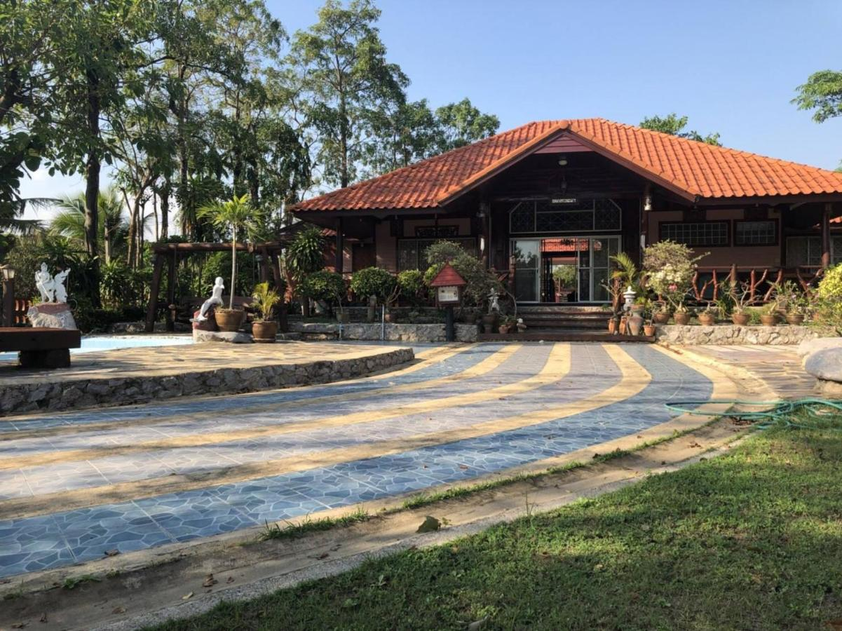 Guest Houses In Ban Na Khung Nang Phetchaburi Province
