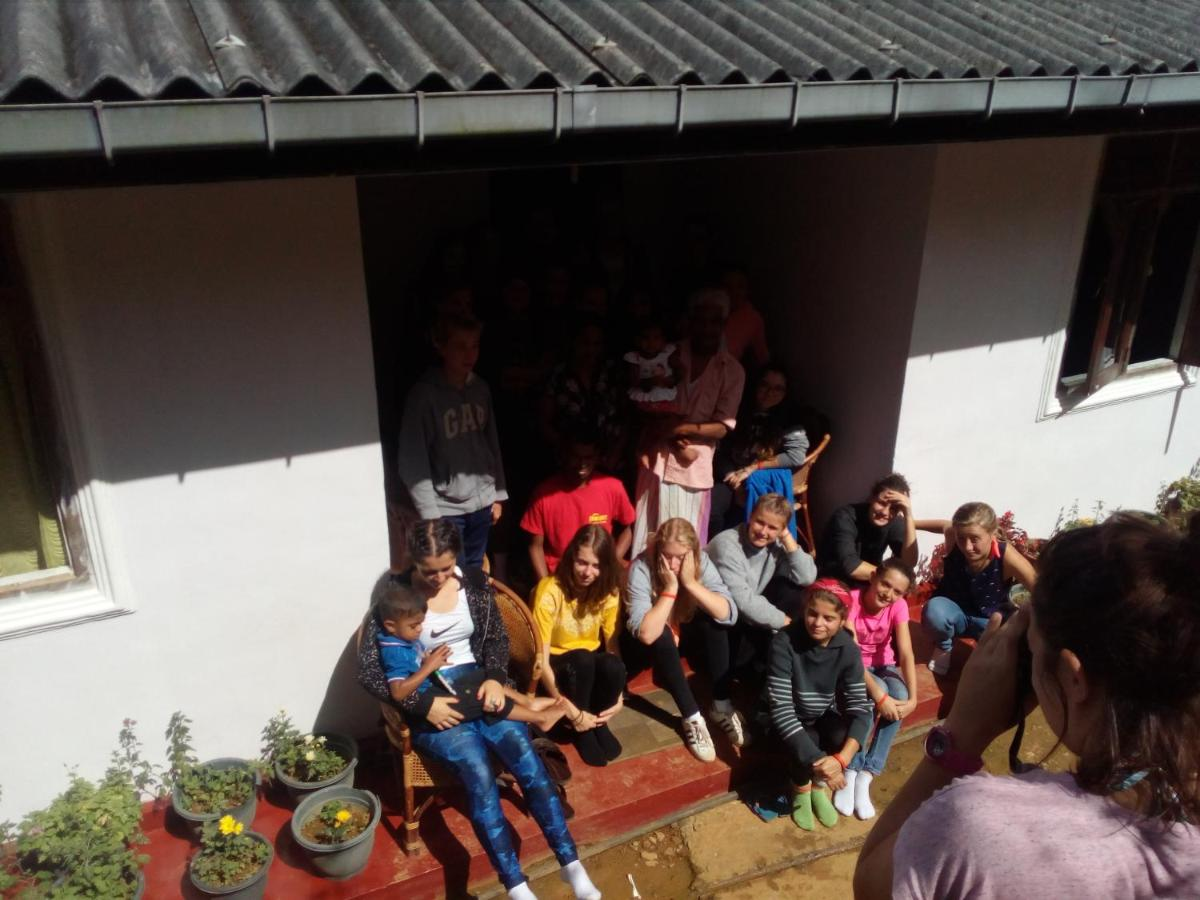 Lake Guest House Sri Lanka Nuwara Eliya Selis Youth