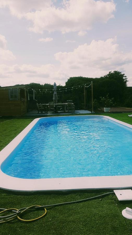 Guest Houses In Ranton Poitou-charentes