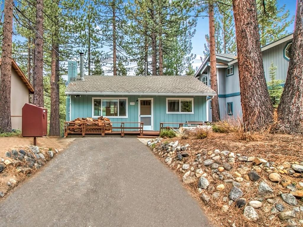 pet near condo cabin house tahoe lake heavenly rentals south rental lakefront friendly craigslist cabins