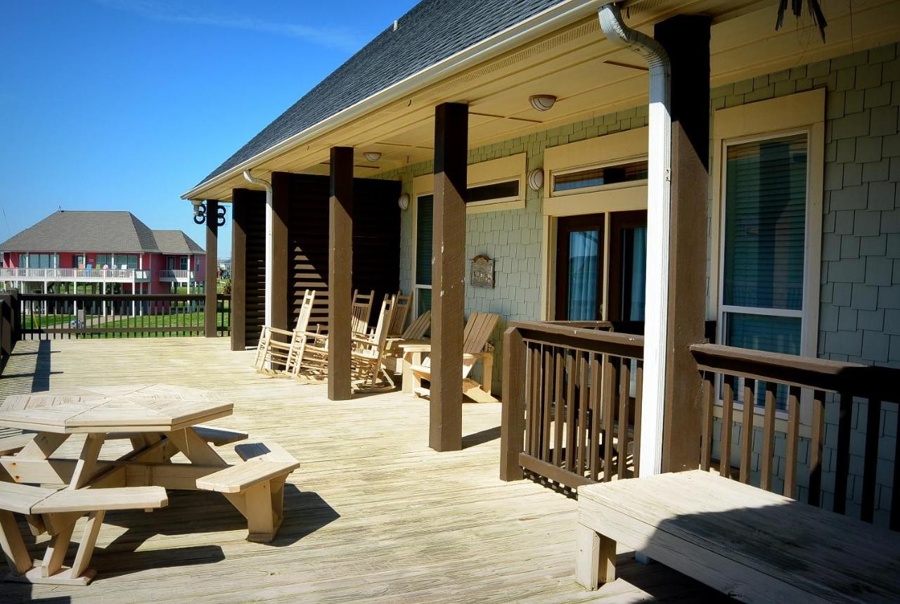Hotel YaYa Condo, Crystal Beach, TX - Booking.com
