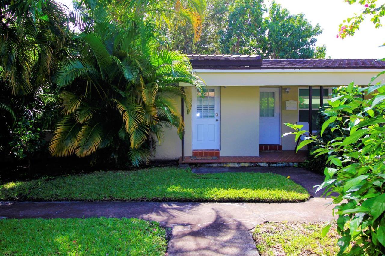 Apartment Tropical Getaway Studio-628B, Fort Lauderdale, FL ...