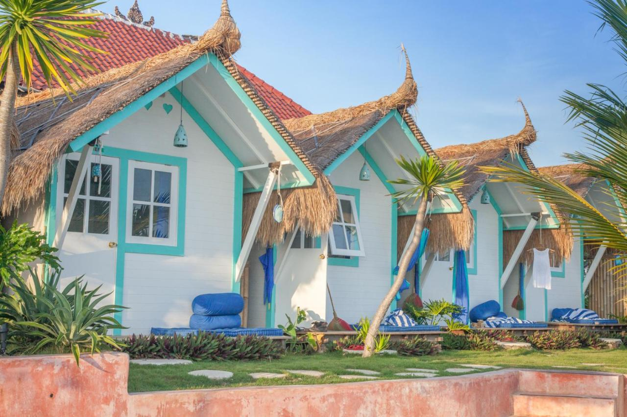 Resort Village Le Pirate Beach Club Nusa Ceningan Lembongan Indonesia Booking