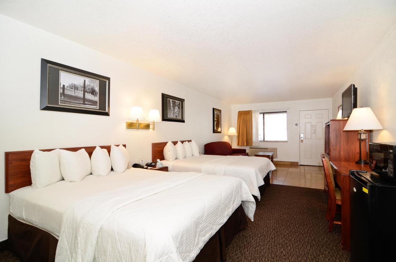 Best Western Colorado River Inn, Needles, CA - Booking.com