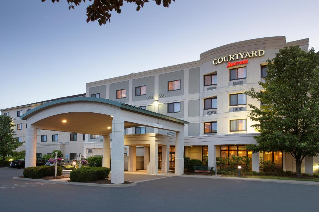 Hotels In Campbell Hall New York State