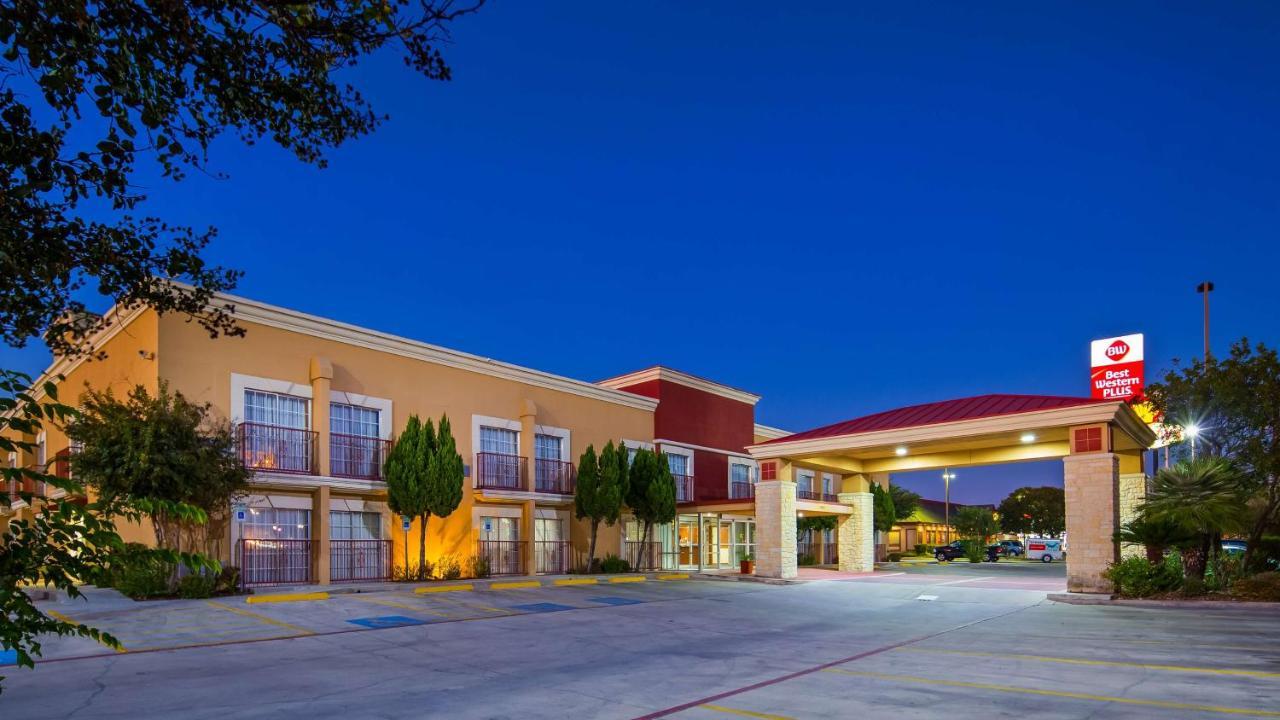 Hotels In Selma Texas