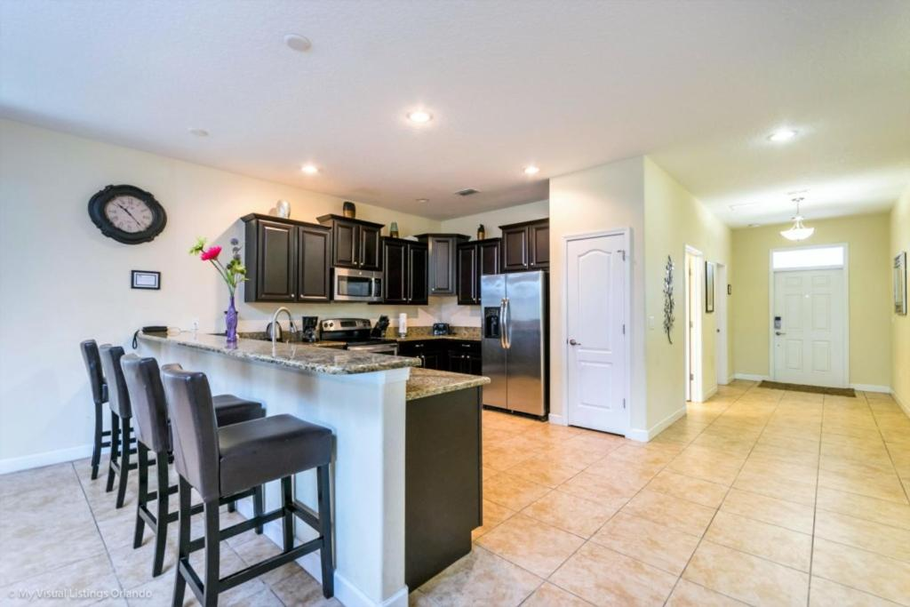 Vacation Home 9 Bedroom with Chef! Near Disney, Davenport, FL ...