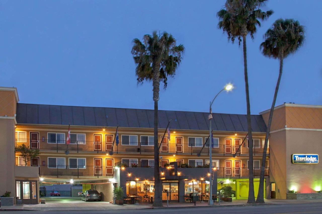 Hotels In Palms California
