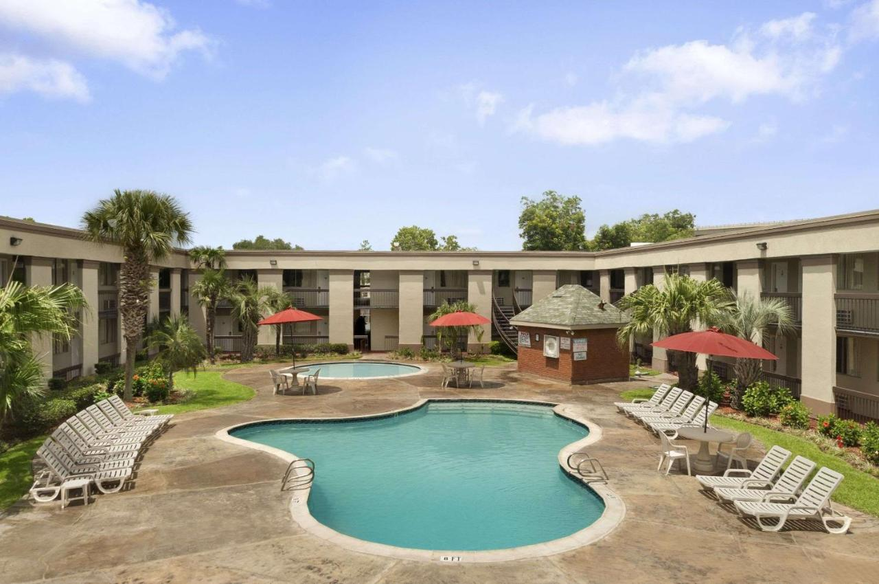 Travelodge New Orleans West Harvey Hotel Hotels In Gretna Louisiana
