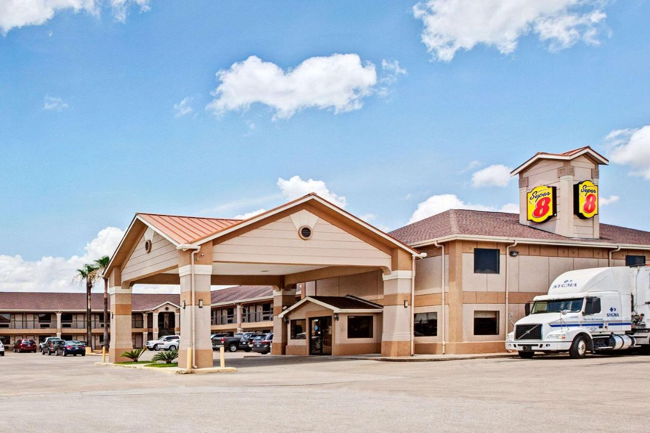 Hotels In Highlands Texas
