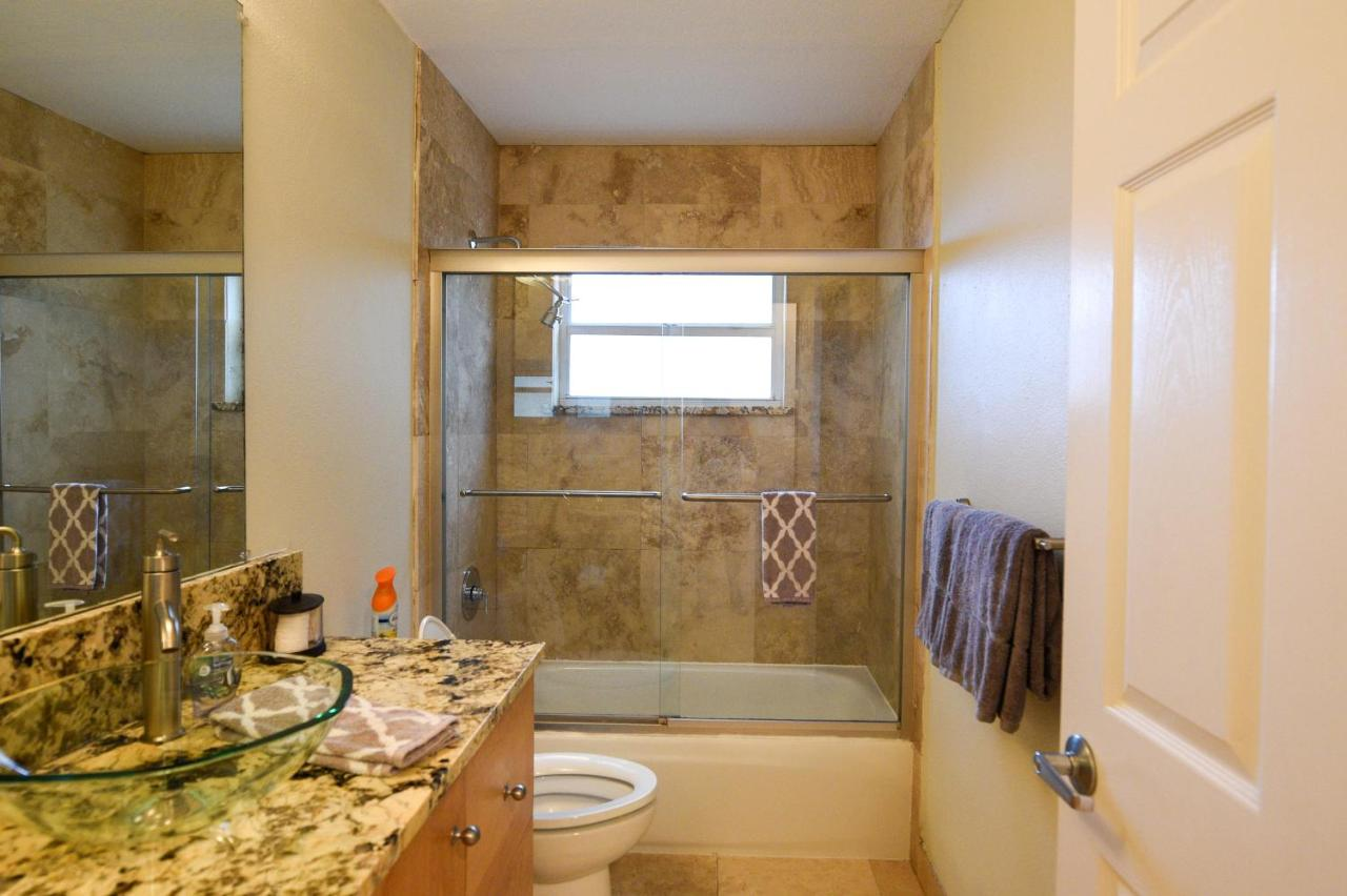 Vacation Home Bradenton House, Bradenton Beach, FL - Booking.com