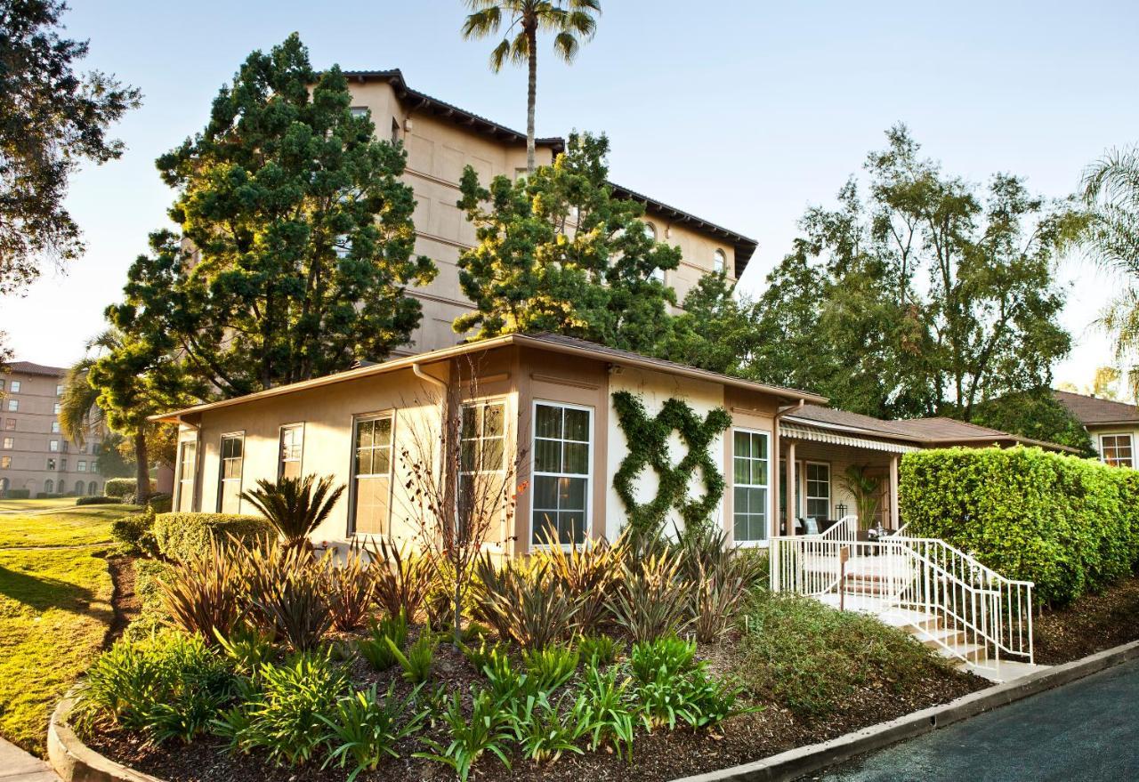 Resorts In Windsor Hills California