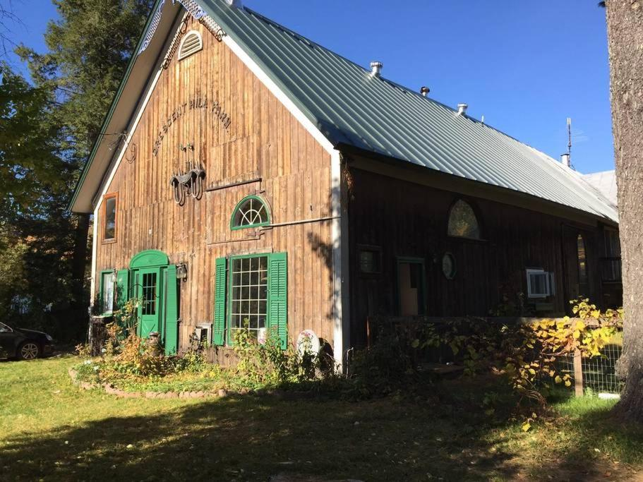 Vacation Home Ye Olde Barn, Montgomery Center, VT - Booking com