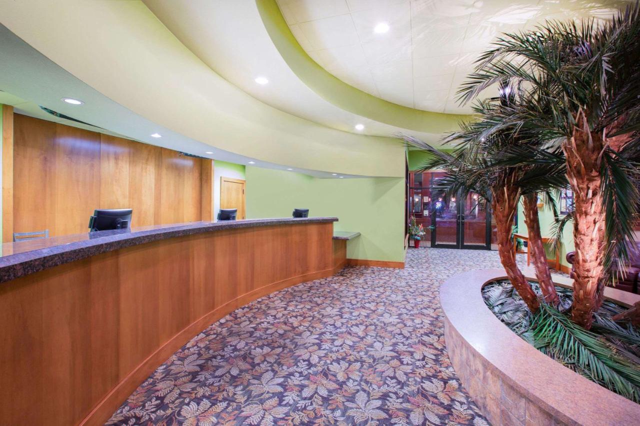 Des Moines Hotels Indoor Water Parks