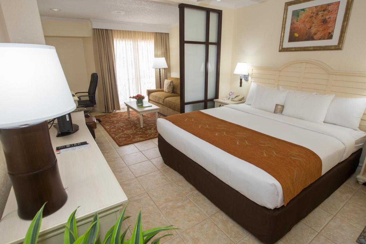 Hotel Comfort Suites Paradise Island Nassau Bahamas Booking Com