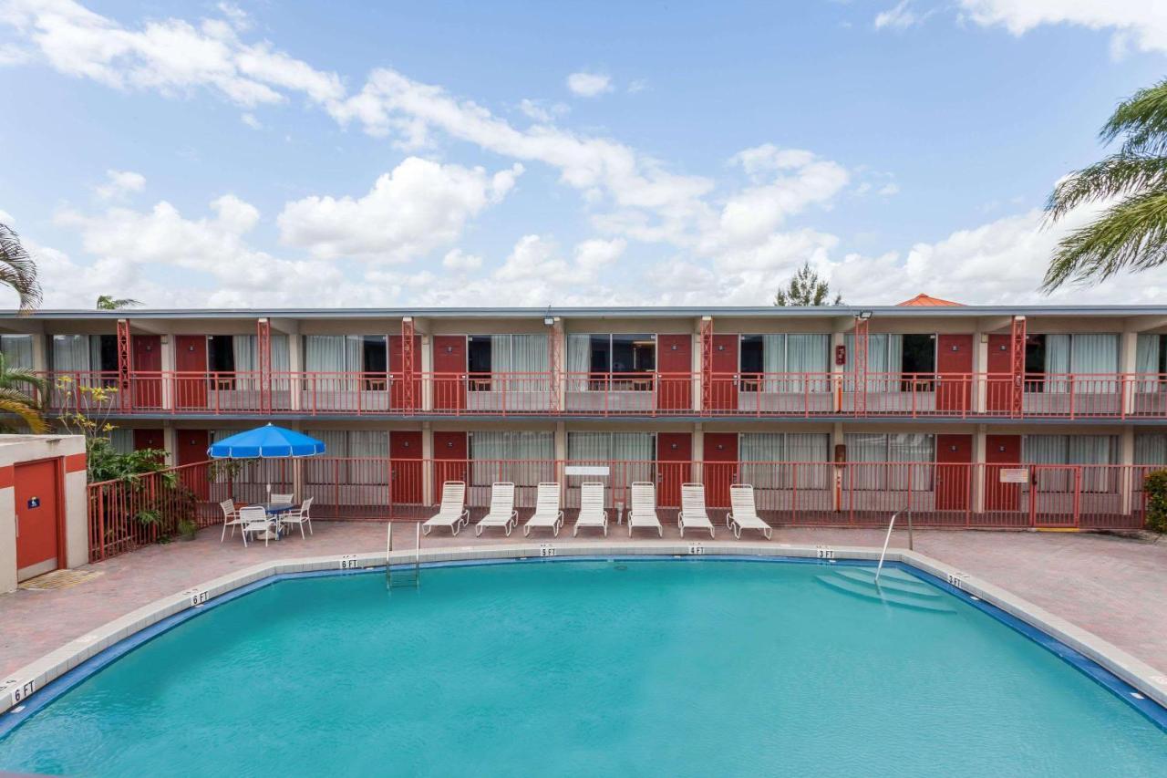 Days Inn by Wyndham West Palm Beach (USA West Palm Beach) - Booking.com