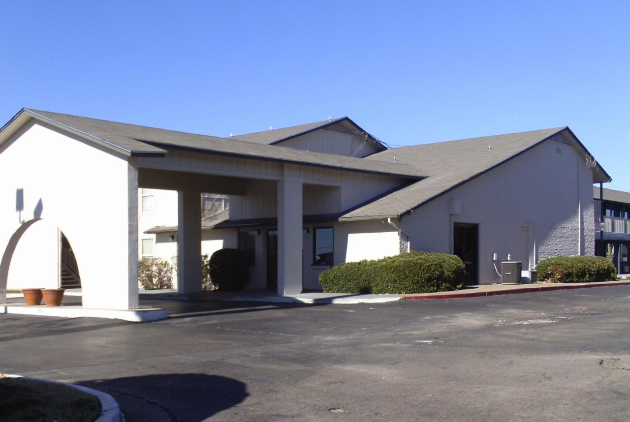 Hotels In Woodlawn Park Oklahoma