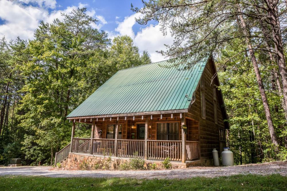 Vacation Home Bonnie Lass 3 Bedroom Cabin, Pigeon Forge, TN ...
